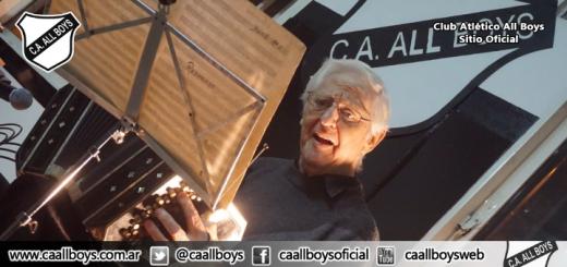 Distinción al maestro Ernesto Baffa en All Boys